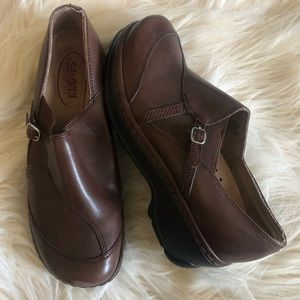Klogs Women's Shoes Sz 9.5